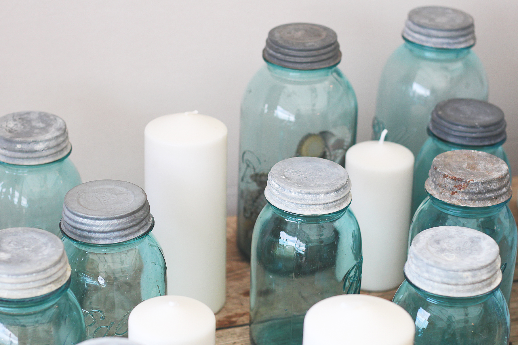 family-room-masonjar