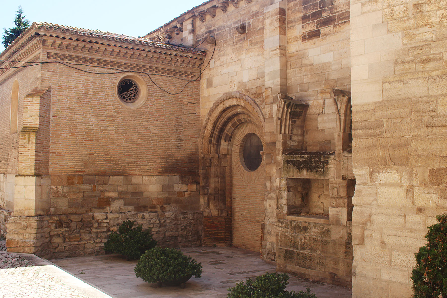 tudela-church2