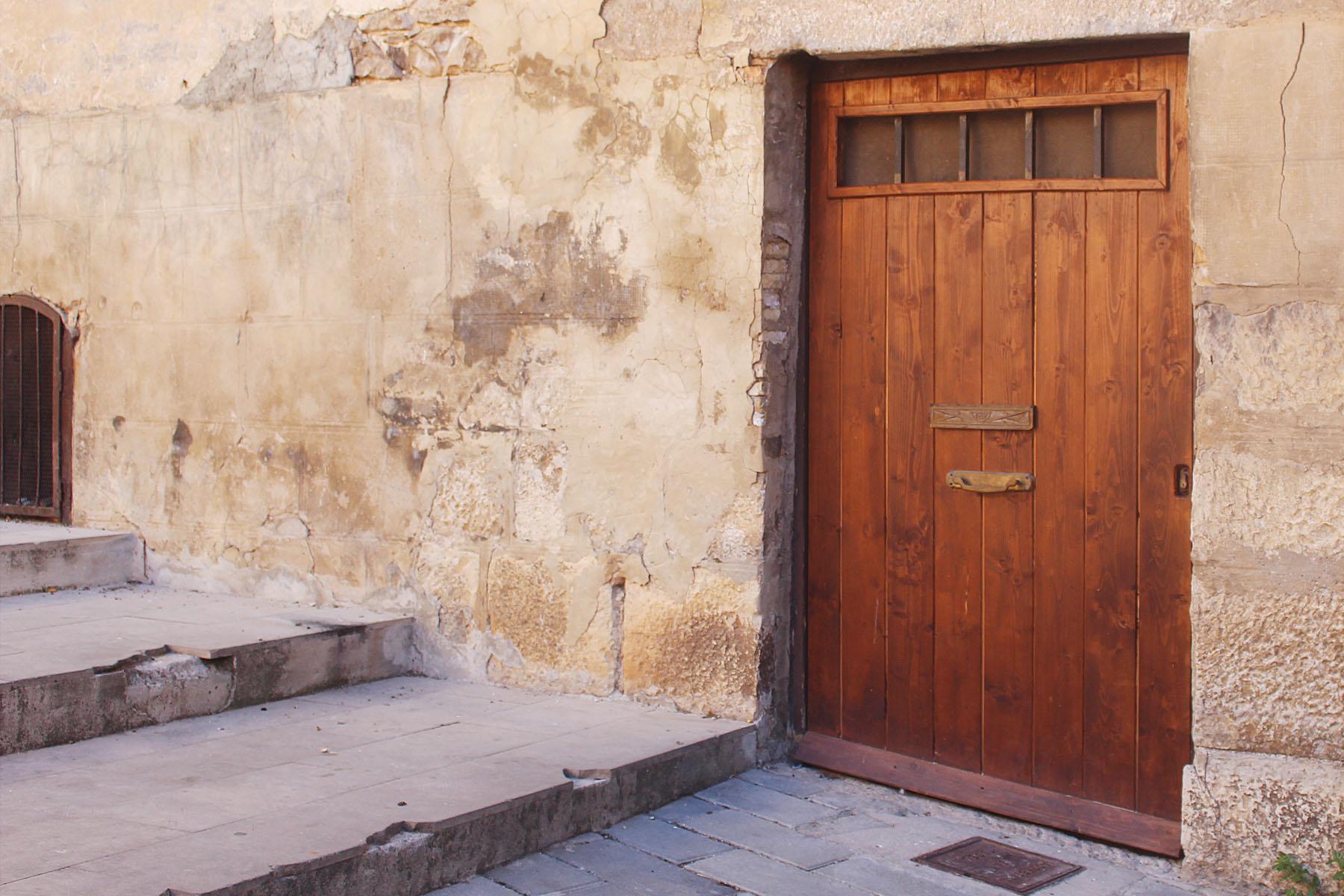 tudela-door